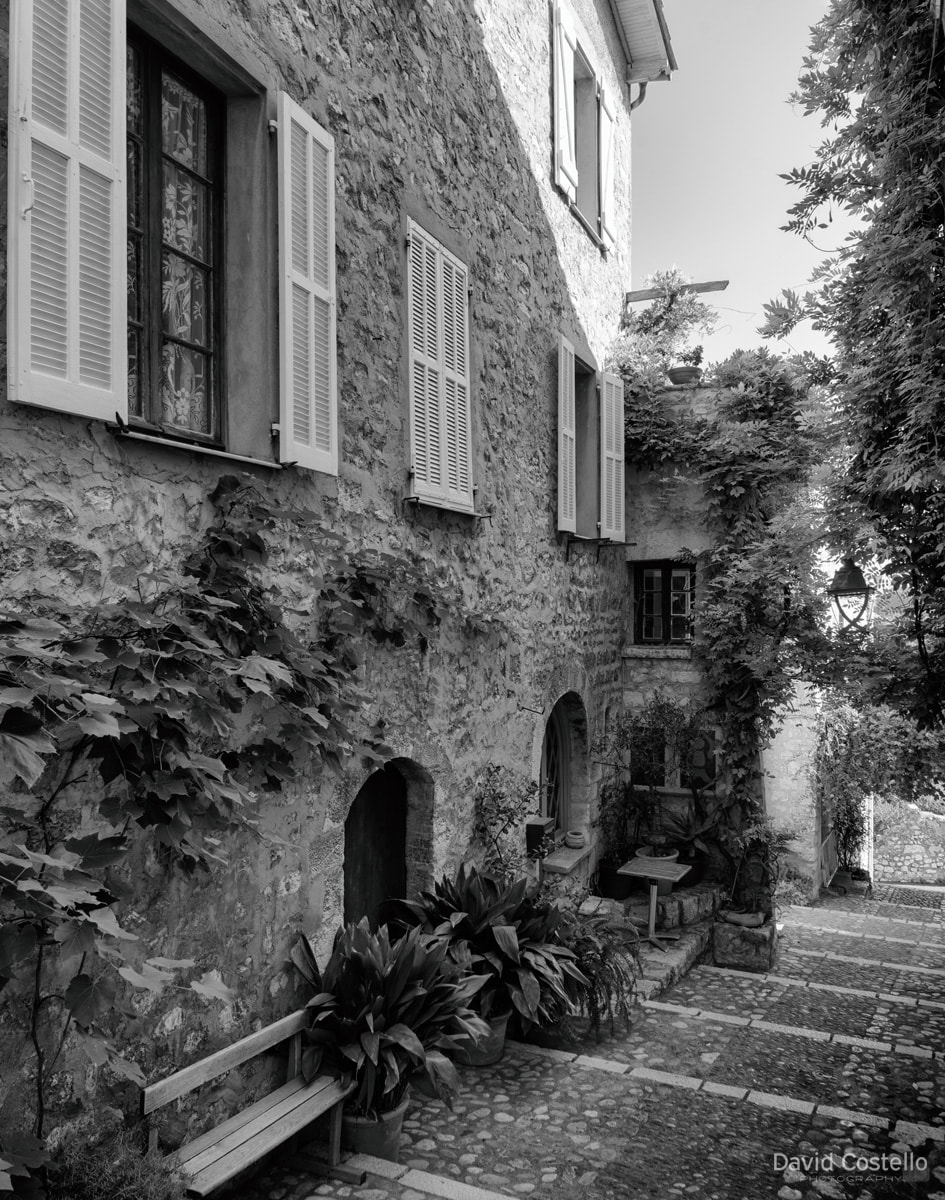 Wandering down the steps along Rue de Derrière-l'Église (street from behind the church) in the haven of St. Paul de Vence.